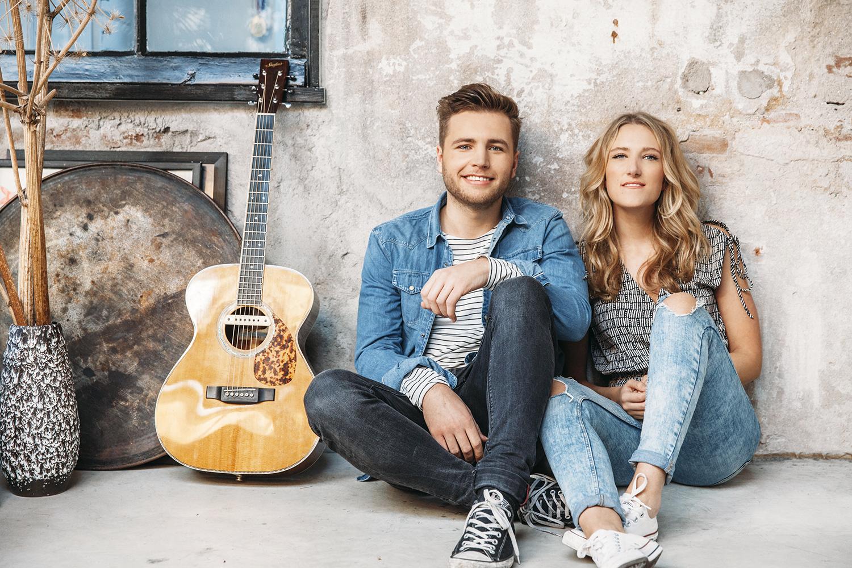 Suzan & Freek kiezen hun eigen weg naar succes: van Facebook naar concerten